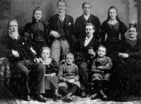 Robert Russell & Jessie Smith and Family c 1891